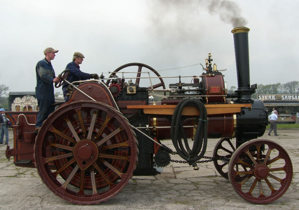 картинка первый автомобиль с паровым двигателем втором случае ткань